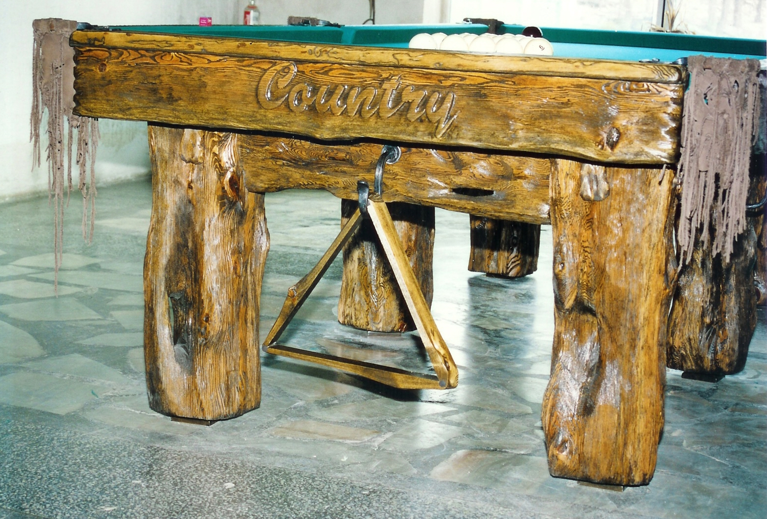 Country-deluxe-billiard-table_2