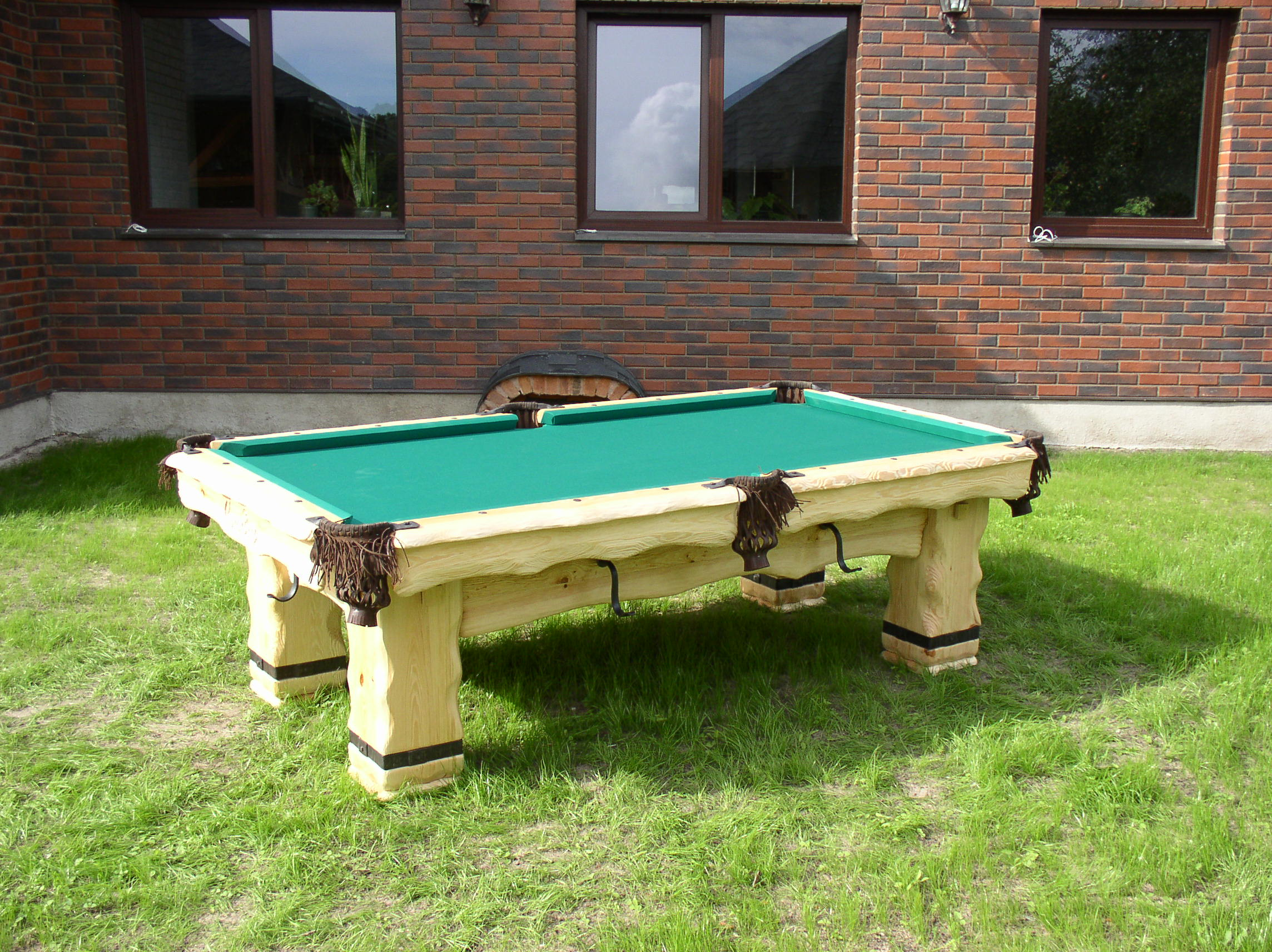 Country-light-billiard-table3