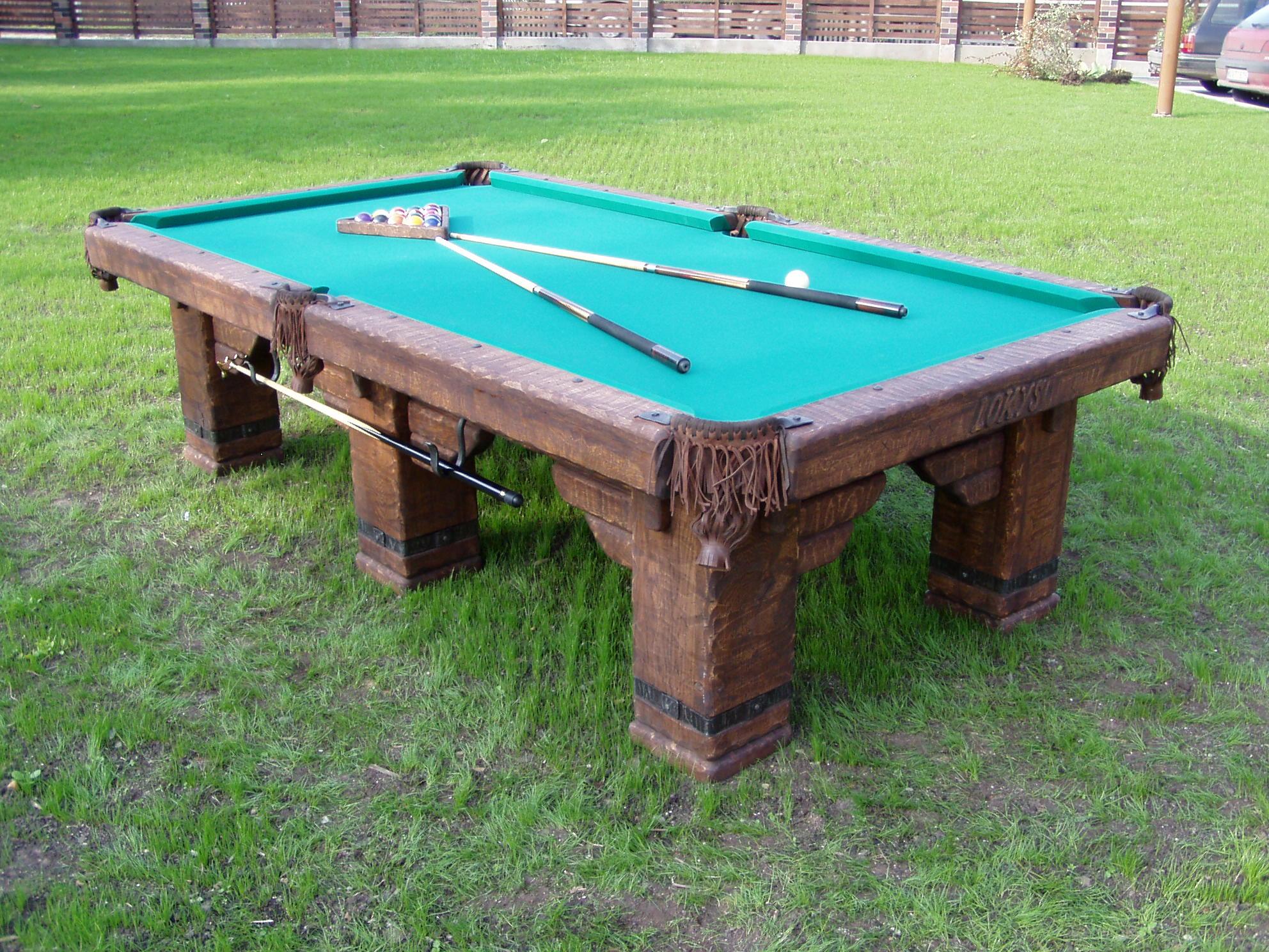 Country-bear-billiard-table2